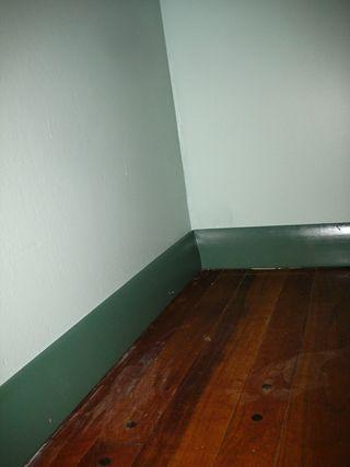 Craftroom baseboard trim2