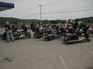 HOG group at rest stop