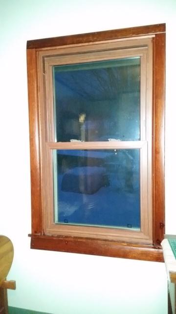 Craft room side window trim-trn