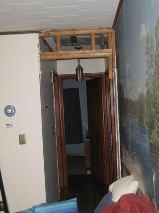Hall door header without support
