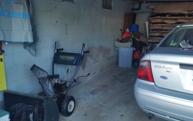 Room in garage without bike
