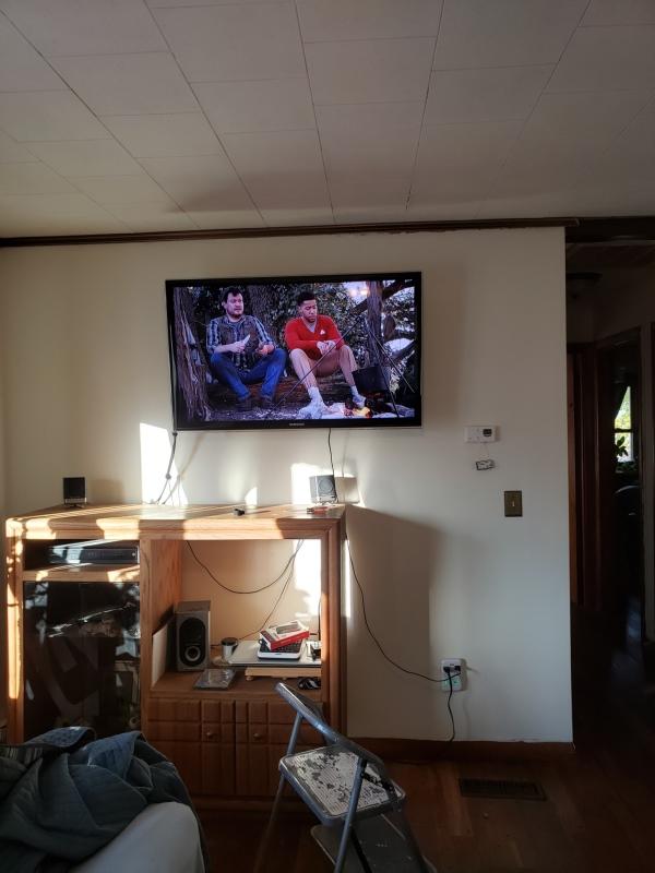 TV mounted-trnd
